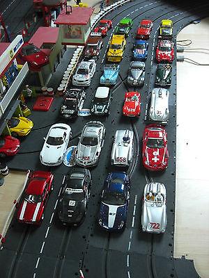 C R E D U Z I E R T diverse umgebaute Autos für Carrera Universal 132