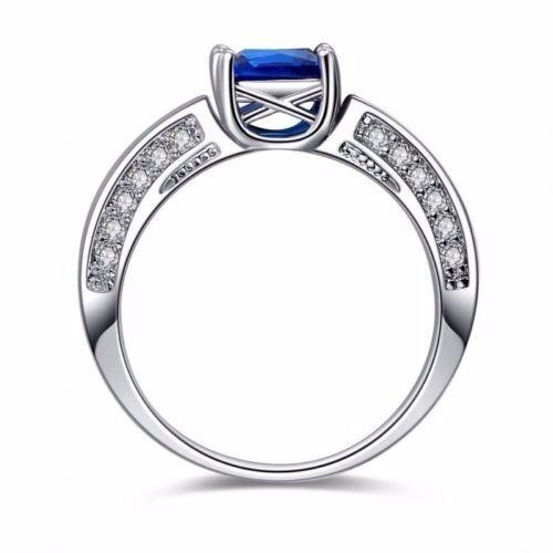 ora ridotte  2.5Ct Blu Zaffiro Taglio Taglio Taglio Princess Anello oro Bianco 10Ct e83335