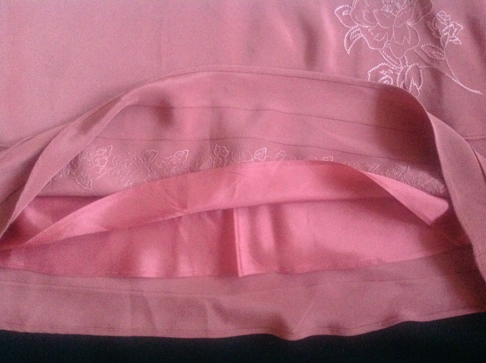 Laura Ashley Ashley Ashley Pretty rosa rosa fiore di seta ricamata a Lungo Gonna Taglia 12 4c22f4