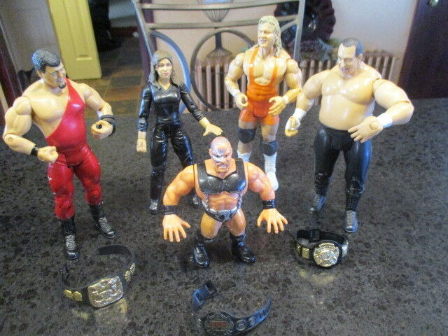WWE Wresting Lot  4 Jakks Pacific 8    Figures1992 The WarlordChampionship Belts ca50af