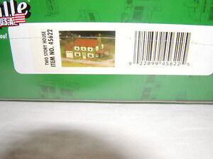 Bachmann 45622 Plasticville Kit Two Story House O 027 MIB New This is a Kit
