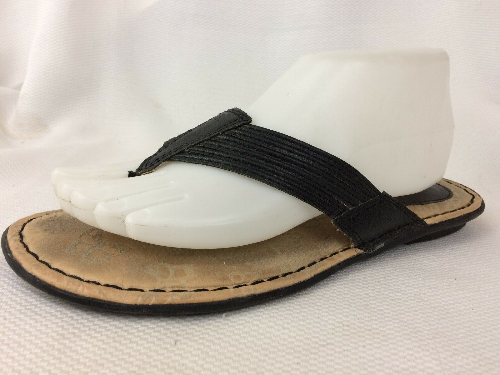 Born Womens 8 Med Thong Sandals Strappy Black Leather shoes Wedge Heel Flip Flop
