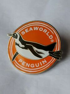 SeaWorld-Penguin-Lapel-Pin-Theme-Park-Marine-Animals-Vacation