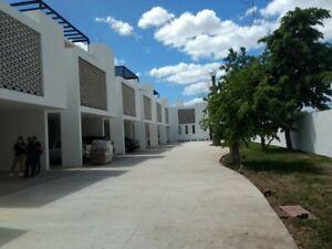 VENTA DE TOWNHOUSE 2 RECAMARAS 2 PLANTAS ZONA NORTE DE MERIDA CHUBURNA