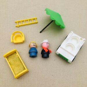 Fisher-Price-Little-People-Play-Family-Village-997-Lot-of-7-Parts-from-1973