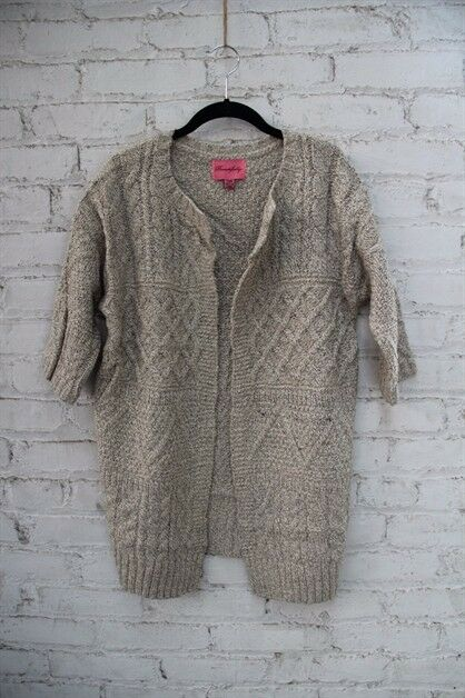 Beautifully Chunky Cable Cardigan S S S M NWT boutique 6f3a33