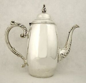 "VINTAGE SPARKLING WM A ROGERS SILVERPLATED 9 ½"" TEA POT"