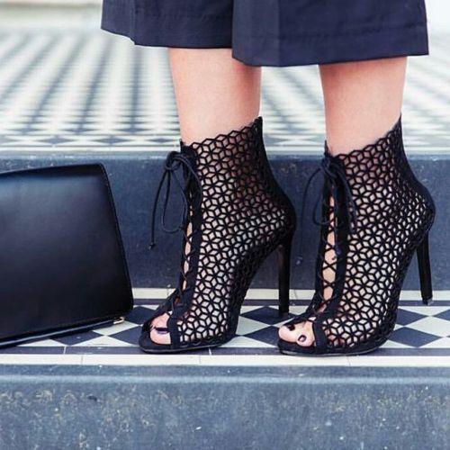 Zara Negro Cuero Tacón Alto Sandalias Zapatos Con Cordones BNWT SIZE ... 4bbcefd24c9b8