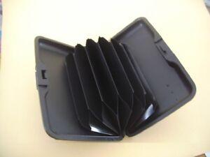 Kartenetui-Kunststoff-schwarz-Druckverschluss-fuer-5-Karten-Kreditkarte-Ausweis