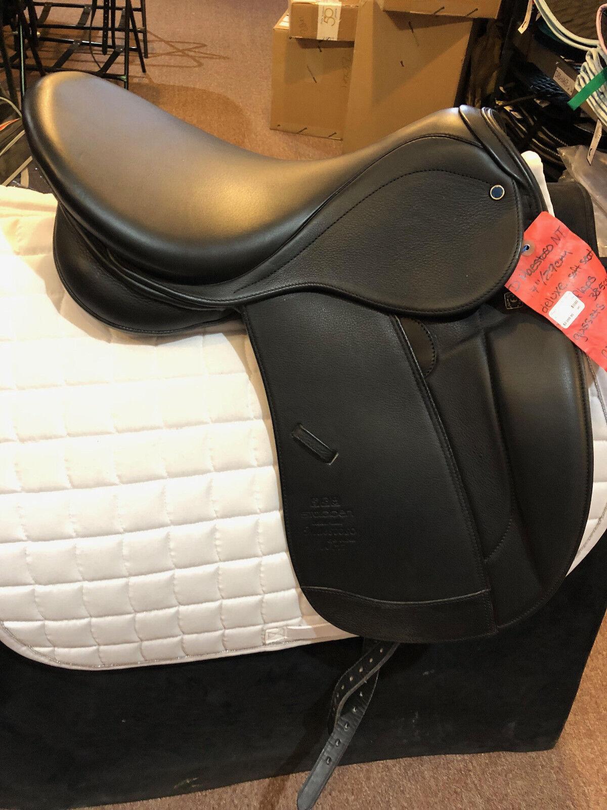 NEW Stubben D Maestoso NT Dressage Saddle Deluxe 17 29cm