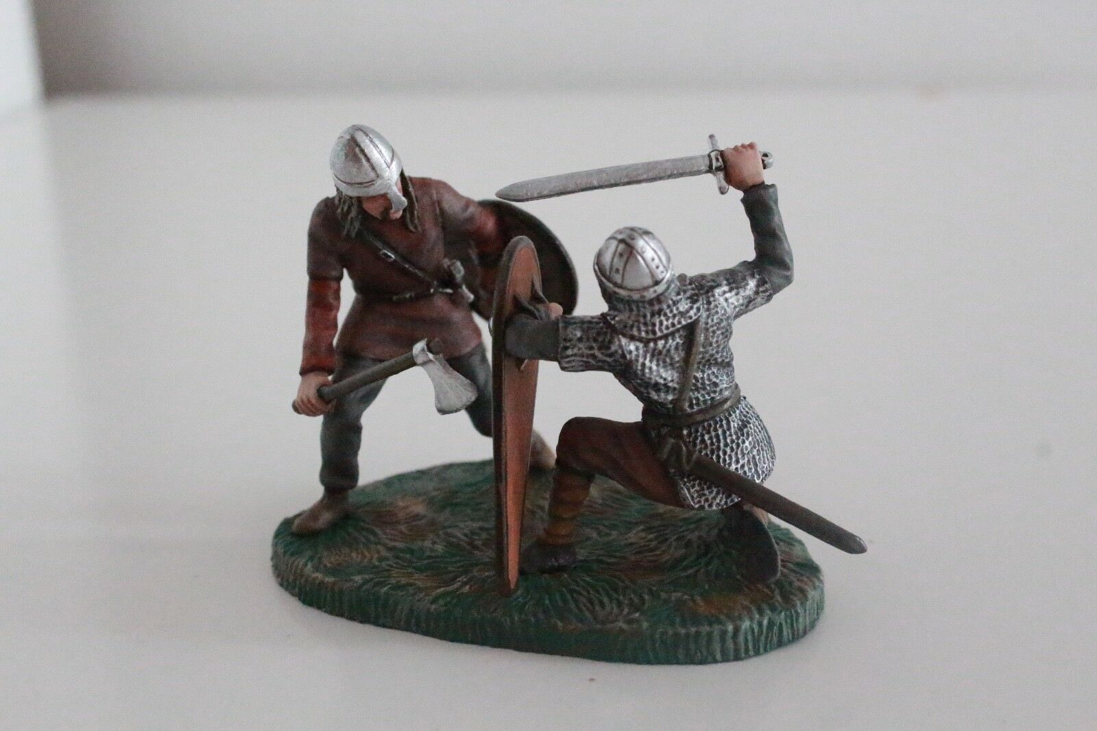 54mm figure Saxon Norman 1066 - Saxon & Norman Fighting. Painted