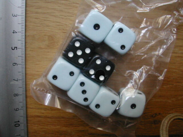 8D6 DICES /DES  BASE GAME  WIDOWER'S WOOD PRIVATEER/ WARMACHINE  G43