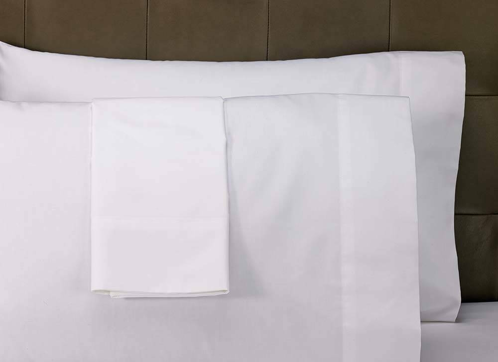 1 QUEEN SIZE SHEET SET bright white heavy brushed microfiber wrinklefree
