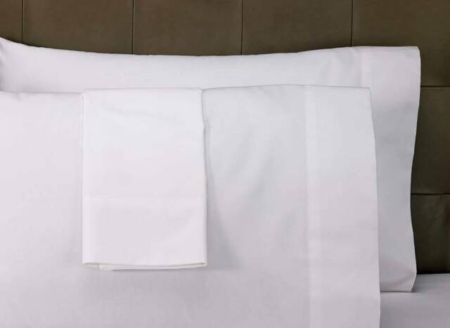 1 PREMIUM QUEEN SIZE SHEET SET bright white heavy brushed microfiber wrinklefree