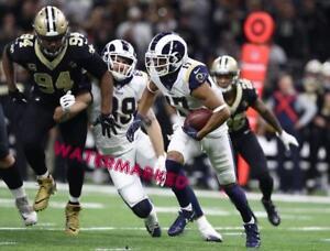 FOOTBALL NFC CHAMPIONSHIP SAINTS RAMS ROBERT WOODS CATCHES PASS PUBLICITY PHOTO