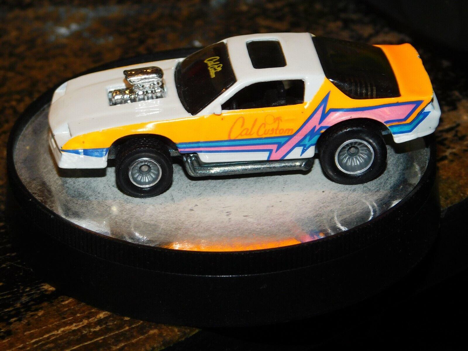 primera reputación de los clientes primero Mattel Mattel Mattel Hot Wheels Camaro personalizado de California blancoo Naranja Con Negro Interior Rara  El ultimo 2018