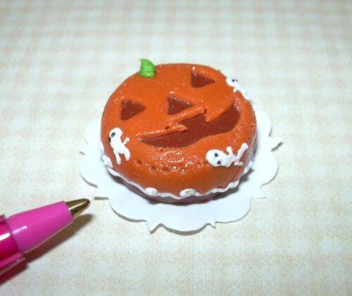 "DOLLHOUSE Miniatures 1:12 Scale Miniature /""Pumpkin Theme/"" Halloween Cake"