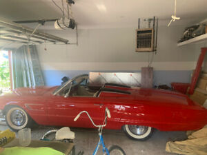 1965 Thunderbird Conv. W tonneau Red
