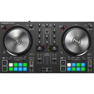 Native-Instruments-TRAKTOR-KONTROL-S2-MK3-DJ-Controller-Neu