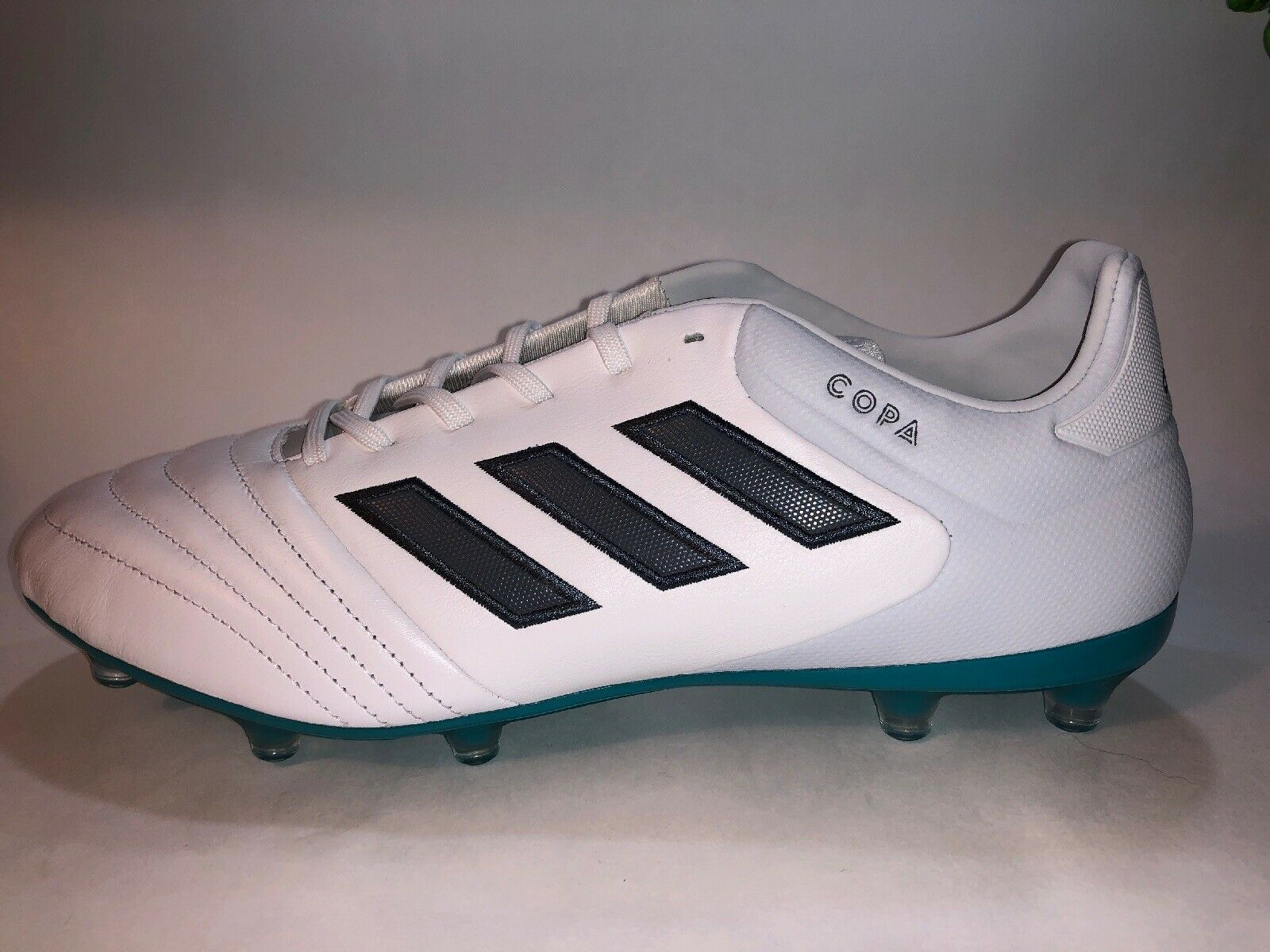 Size 10.5 Mens Adidas Copa 17.2 FG FG FG Firm Ground Soccer Cleats - White Grey bluee 1937fc