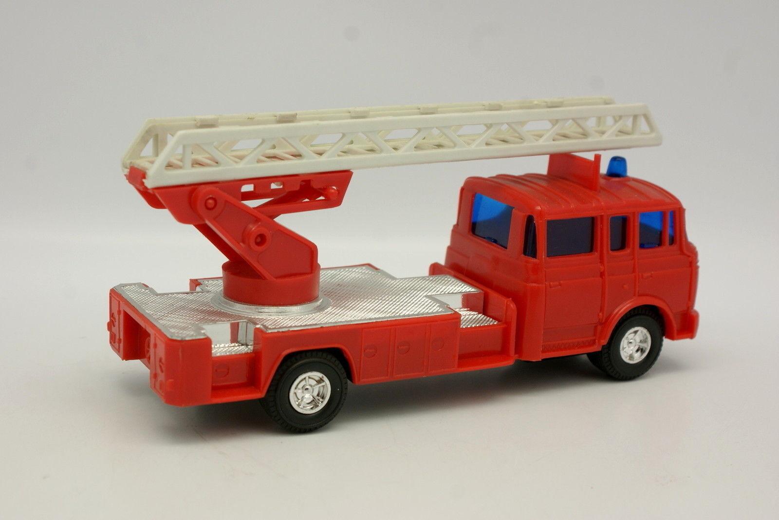 Lucky Norev 1 43 43 43 - Berliet GBK Grande Echelle Pompiers e4a158