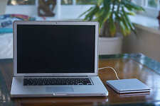 "Apple MacBook Pro 15"" i7 2,2 Ghz 16 GB Ram Matt Hi-Res A1286 + OptiBay 500GB hdd"
