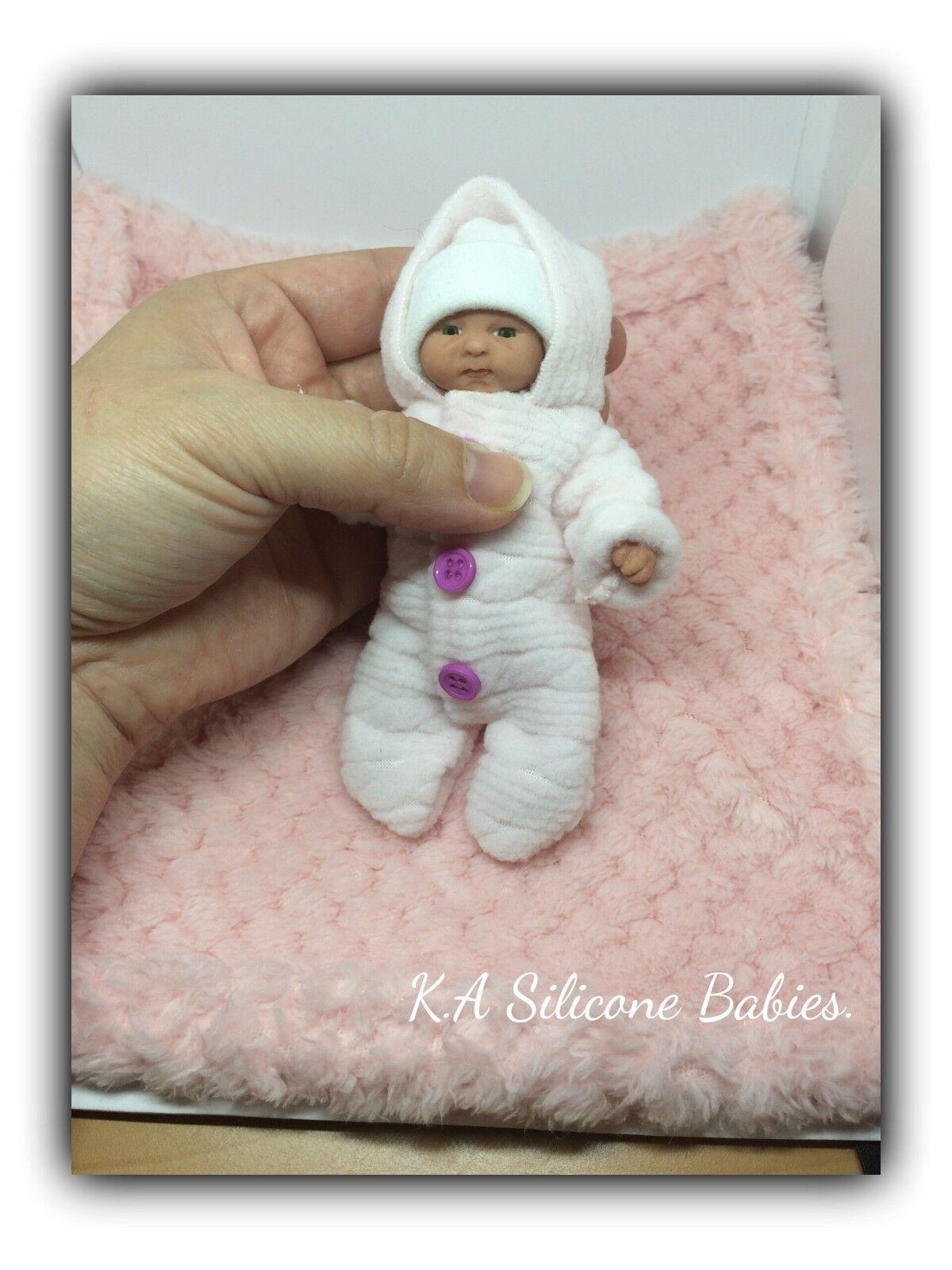 Cuerpo Completo Mini de Silicona Baby Girl Jazmín.