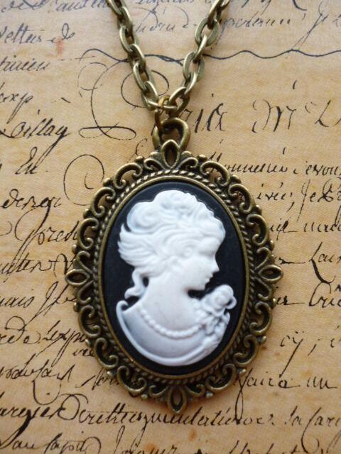 Antique Bronze Steampunk Victorian Lady Portrait Black Cameo Jewellery Necklace