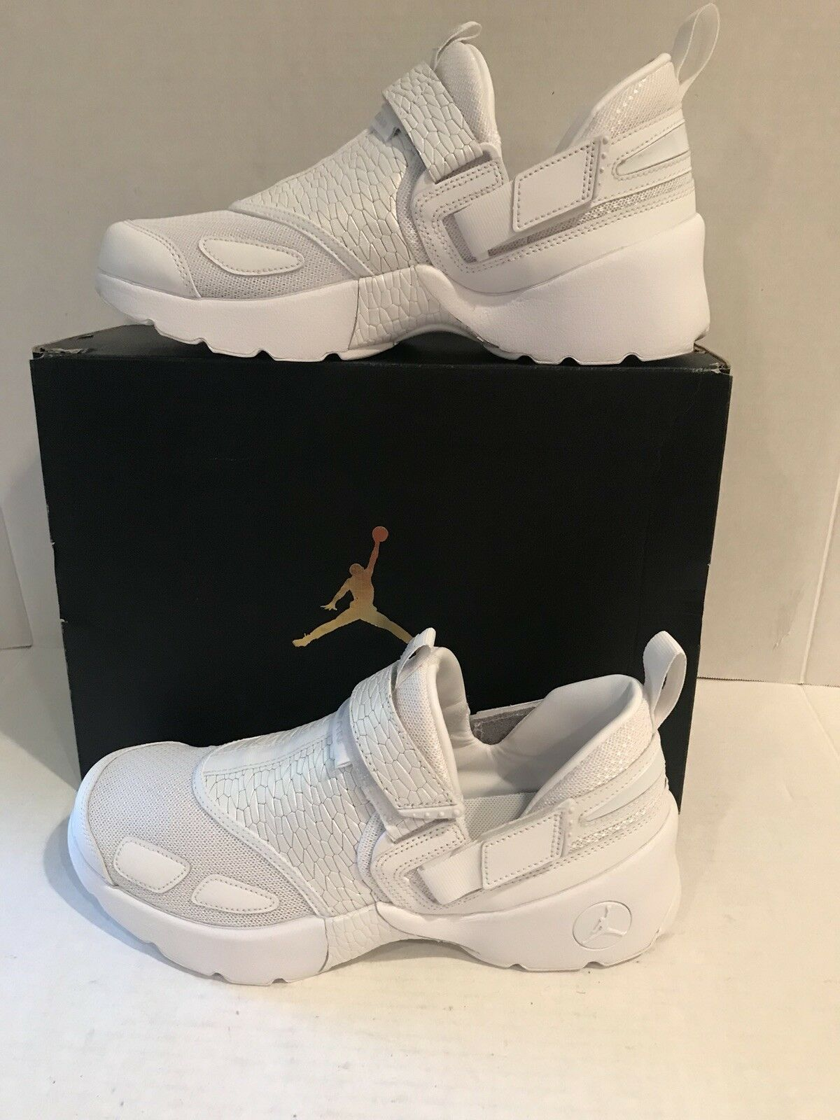 Nike Air Jordan Trunner LX PR HC GG 897997 100 White/Platinum Size 8Y MSRP$140