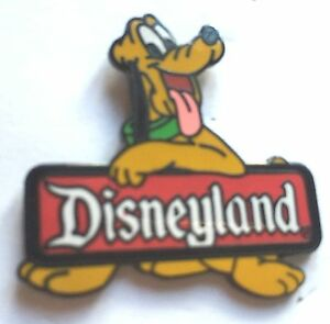 Disney-Pin-Badge-Pluto-2000-Disneyland-Sign-Logo