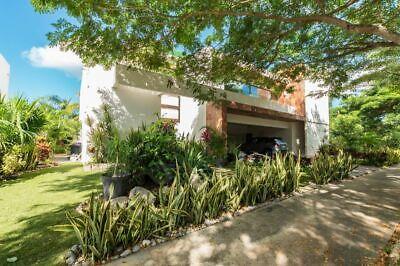 Casa en Yucatán Country Club con Roof Garden y acabados de lujo