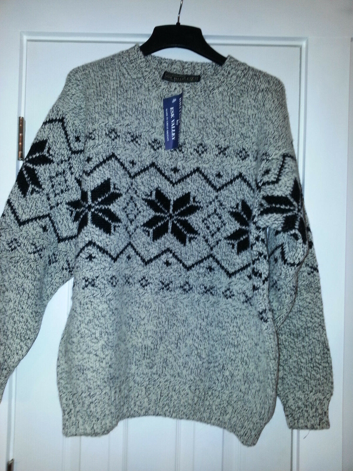 Mens British Wool by ESK VALLEY Made in England Sweater size Large NEW with tags