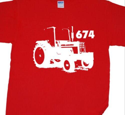 Harvester, Vintage, Farm, Classic International 674 Classic Tractor T-Shirt