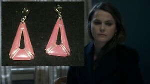 THE-AMERICANS-KERI-RUSSELL-IN-DISGUISE-PRODUCTION-WORN-JEWELRY-EARRINGS-B8