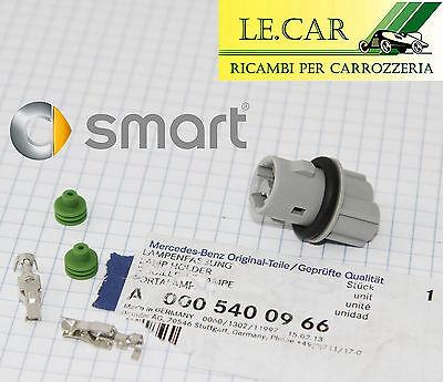 1 PORTALAMPADA PER LAMPADINA FRECCIA LATERALE SMART FORTWO 451 7//2007/> 10//2014