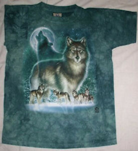 WOLF-HOWLING-AT-MOON-T-SHIRT-SIZE-ADULT-XL-NEW-IN-PACKAGE