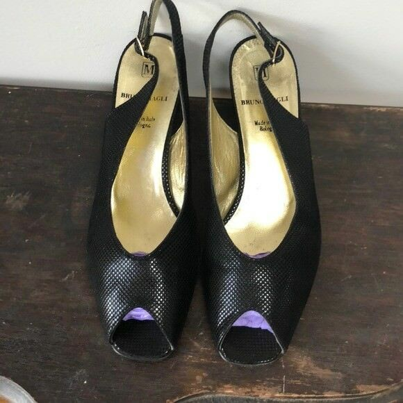 Bruno Magli Talla 8 Negro Peep Toe Toe Toe Charol Tacón Alto Zapatos de la sandalia  100% precio garantizado