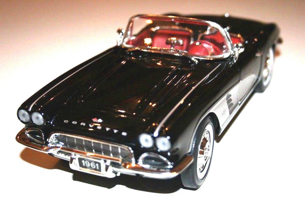 1   18 ertl - hamilton (showroom edition) chevrolet corvette.