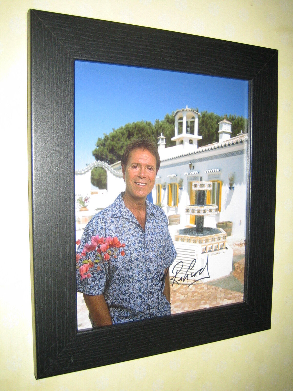Cliff Richard Excellent Signed Photograph (8x10) Framed With CoA