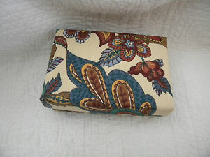 Vintage-Renner-Davis-Beautiful-Decorative-Box-With-Many-Colors-Signed-EXCELLENT