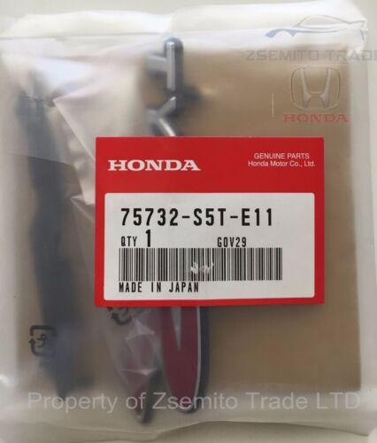 Honda Civic EP3 FRONT TYPE R EMBLEM JDM Genuine 75732-S5T-E11 Badge 2004 05