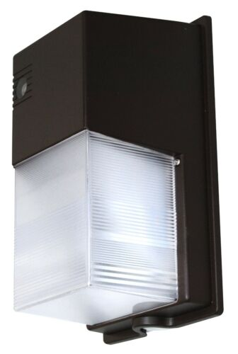 20 Watt LED Outdoor Lighting Polycarbonate Wall Pack Perimeter//area w//photocell
