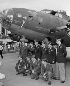 OLD-LARGE-PHOTO-WWII-USAF-FLYING-FORTRESS-AIRCRAFT-c1943-The-Memphis-Belle-3