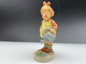 Hummel-Figurine-74-Die-Small-Lady-Gardener-4-3-8in-1-Choice-Top-Zustand