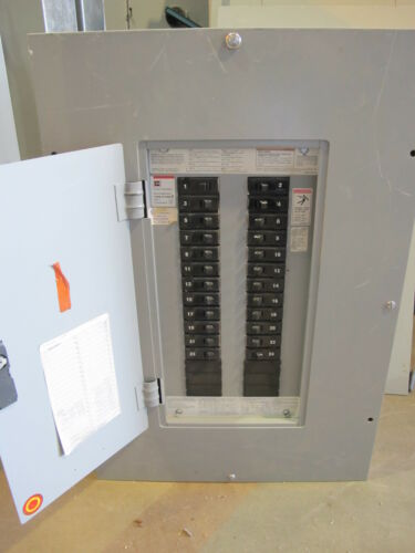 Cutler Hammer PRL1 100 Amp Main Lug E53 3 Phase 120//208 Volt Panelboard