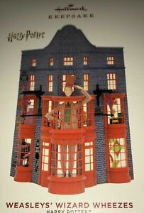 Hallmark 2019 Weasley/'s Wizard Wheezes shop ornament new in box Harry Potter