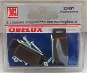 ORECA-COPPIA-2-PZ-CHIUSURE-MAGNETICHE-CON-CONTROPIASTRA-PLASTICA-MARRONE-NEW