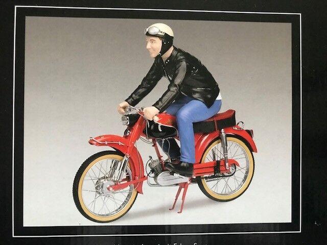 Santa Claus arrive Schuco Victoria Avanti avec chauffeur personnage 1:10 Moto mk2 | L'apparence élégante