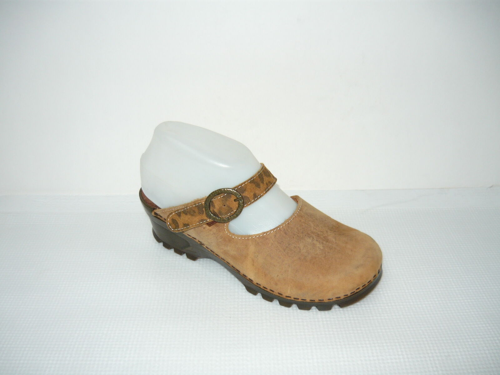 Clog Mule-Slide Leather Upper Brown Womans size 6-6.5