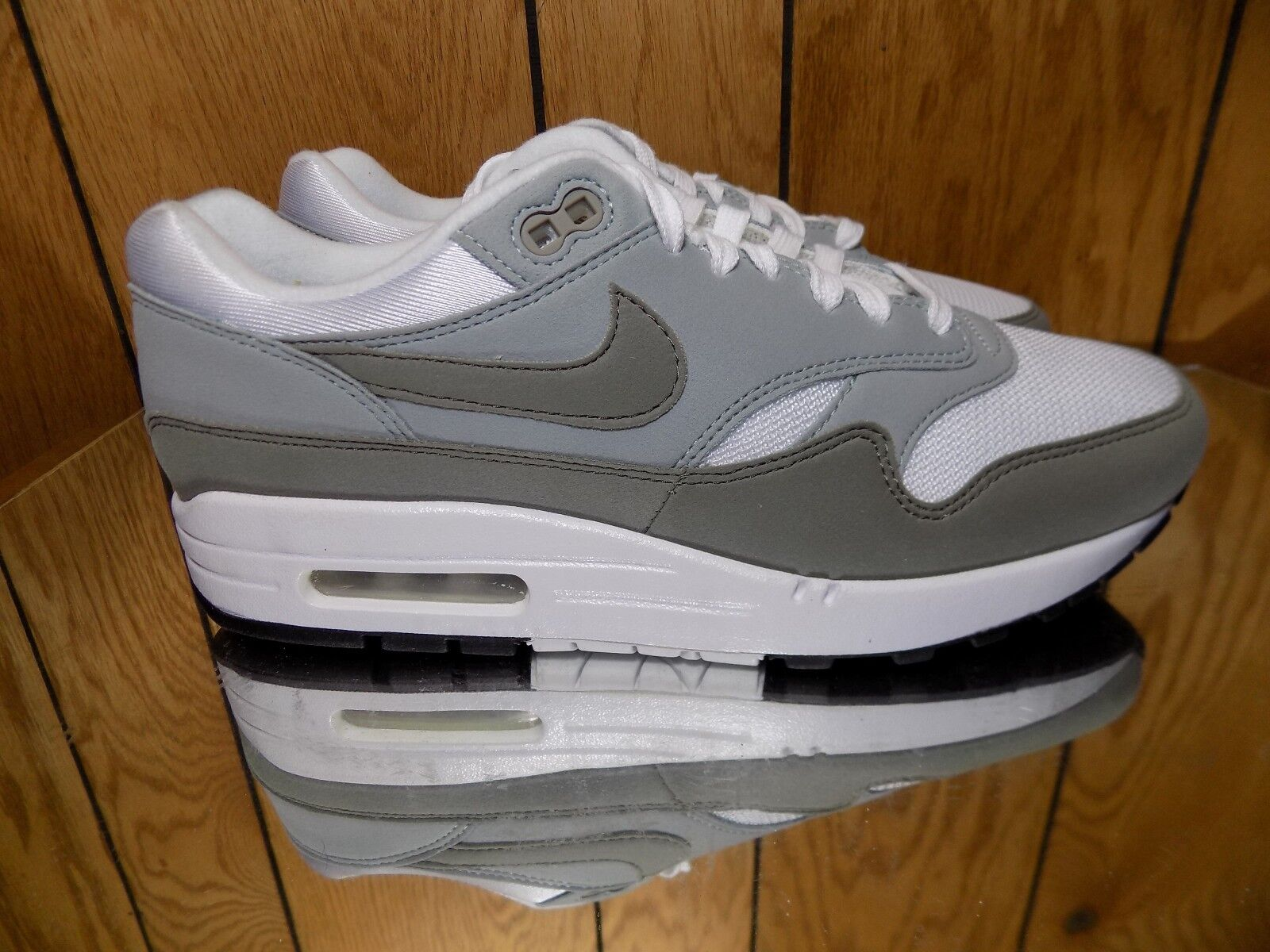 Nike Wmns Air Max 1 women lifestyle NEW white dark986-105 s 9.5